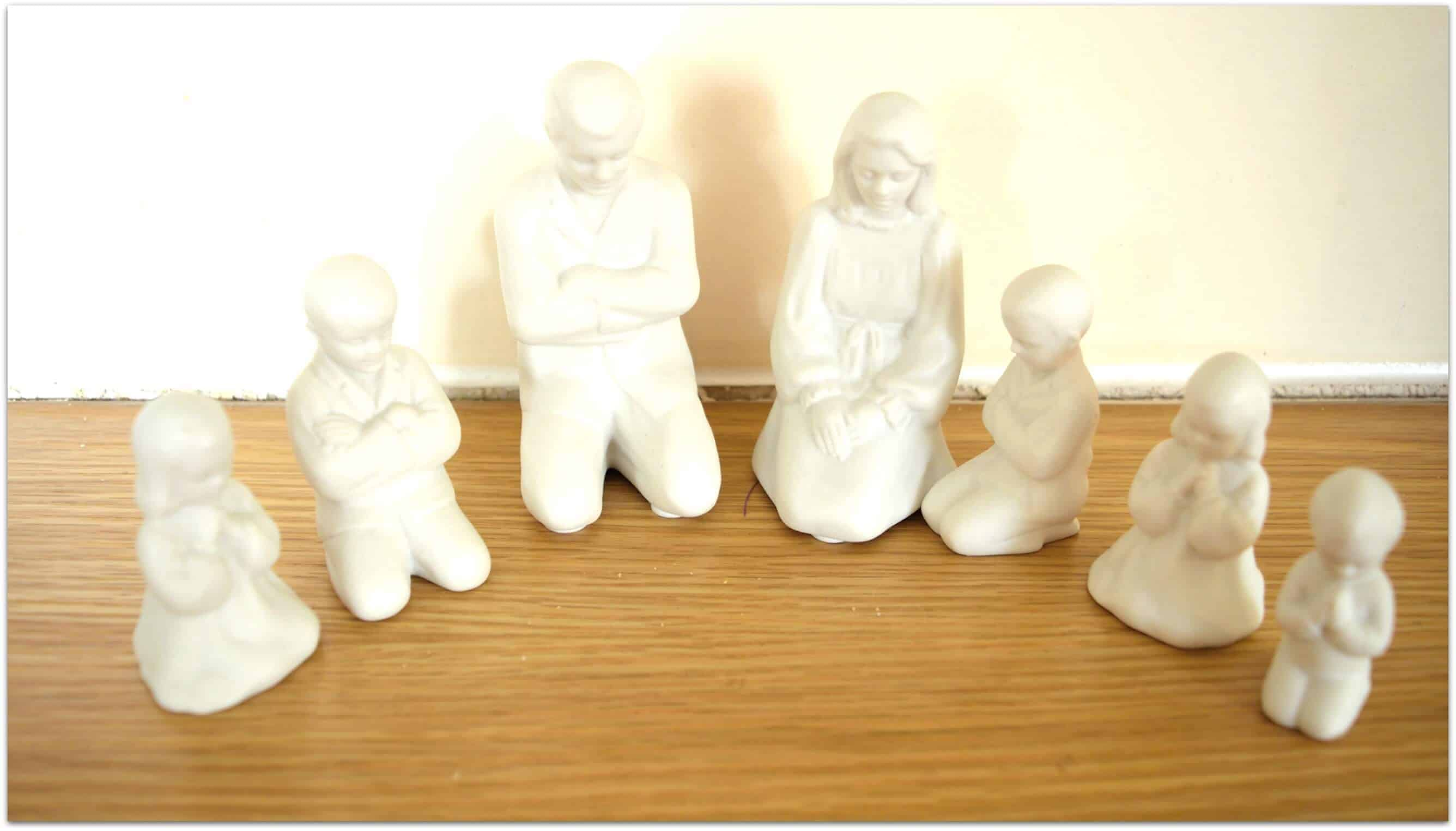 praying family ornaments