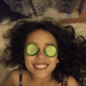 cucumber on eyes beauty