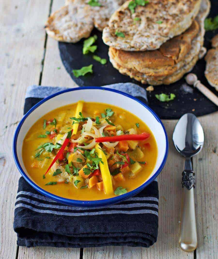 vegan-thai-coconut-soup-with-naan-bread-1