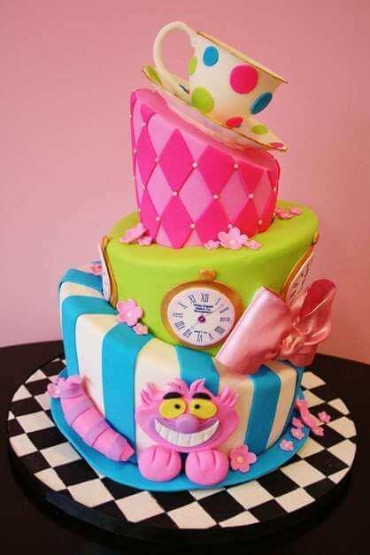 Alice in Wonderland mad hatter cakes