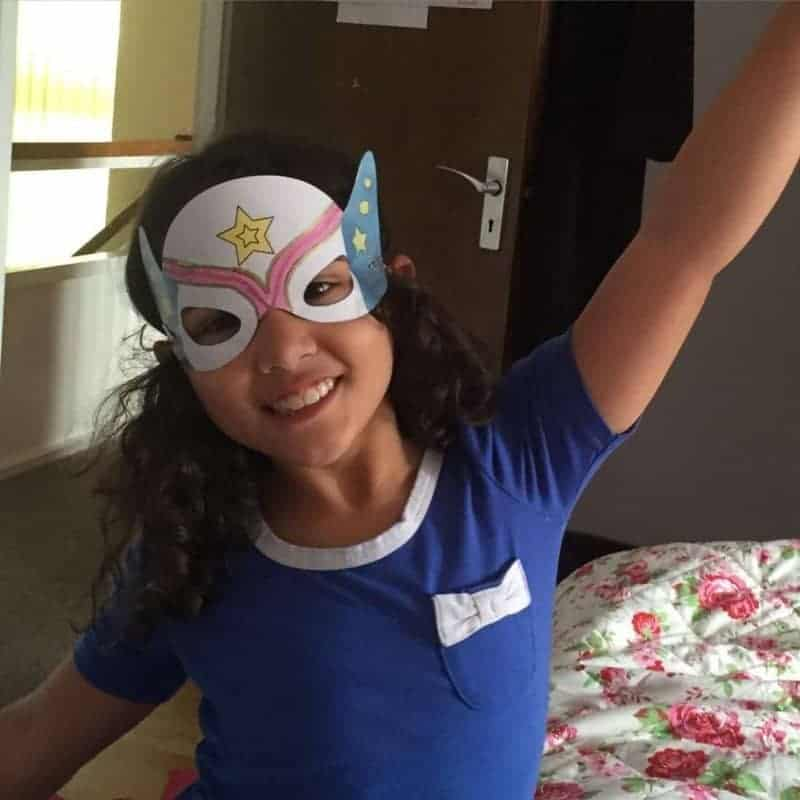 DIY Wonder Woman Mask