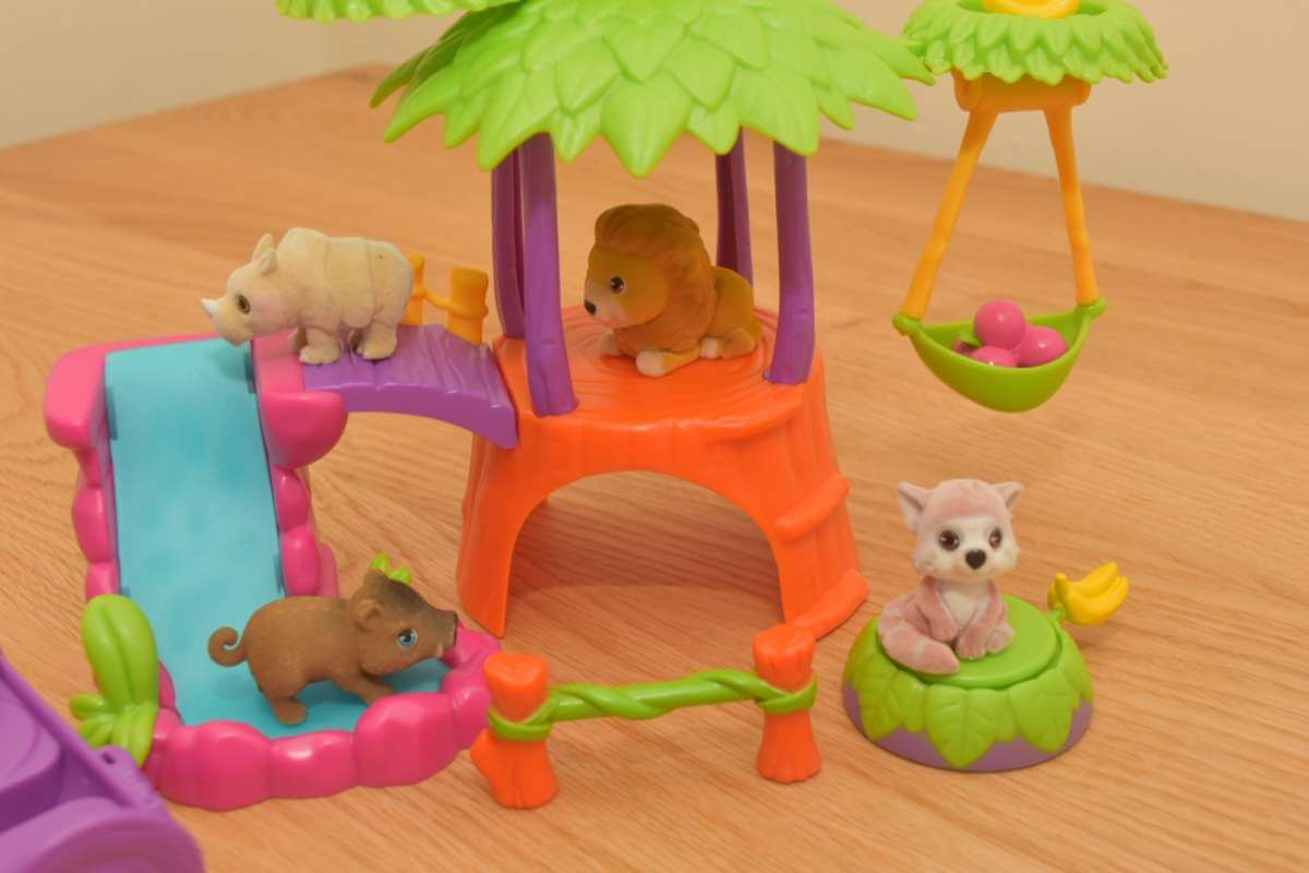 jungle in my pocket treehouse play set
