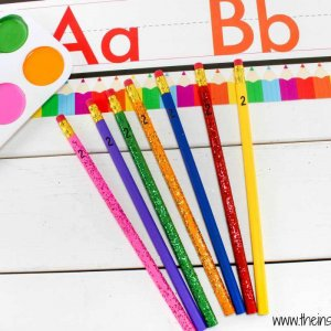 DIY PAINTED PENCILS