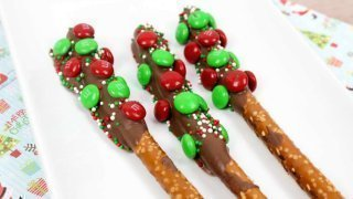 Super Tasty MNM Pretzel Rods