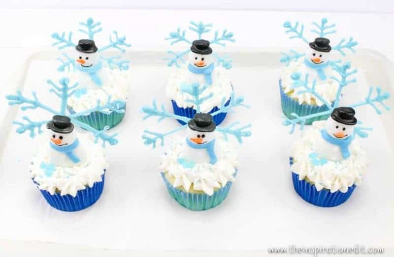 snowflake cupcakes for christmas