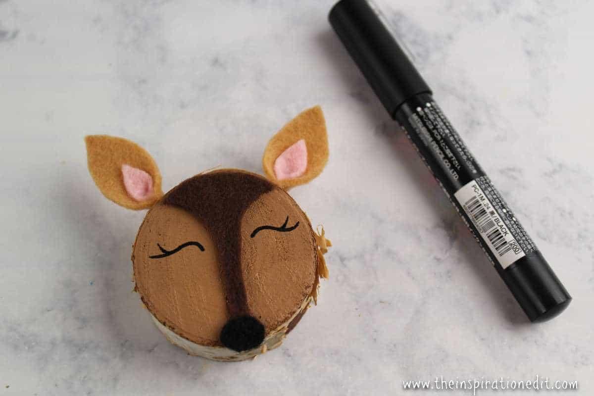 Wooden slice doe craft