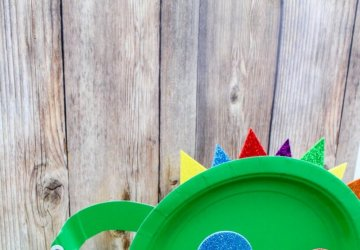 Super Cute Dinosaur Paper Plate Craft