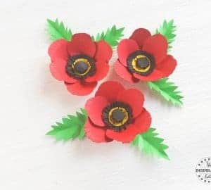 making a poppy flower using a poppy craft template