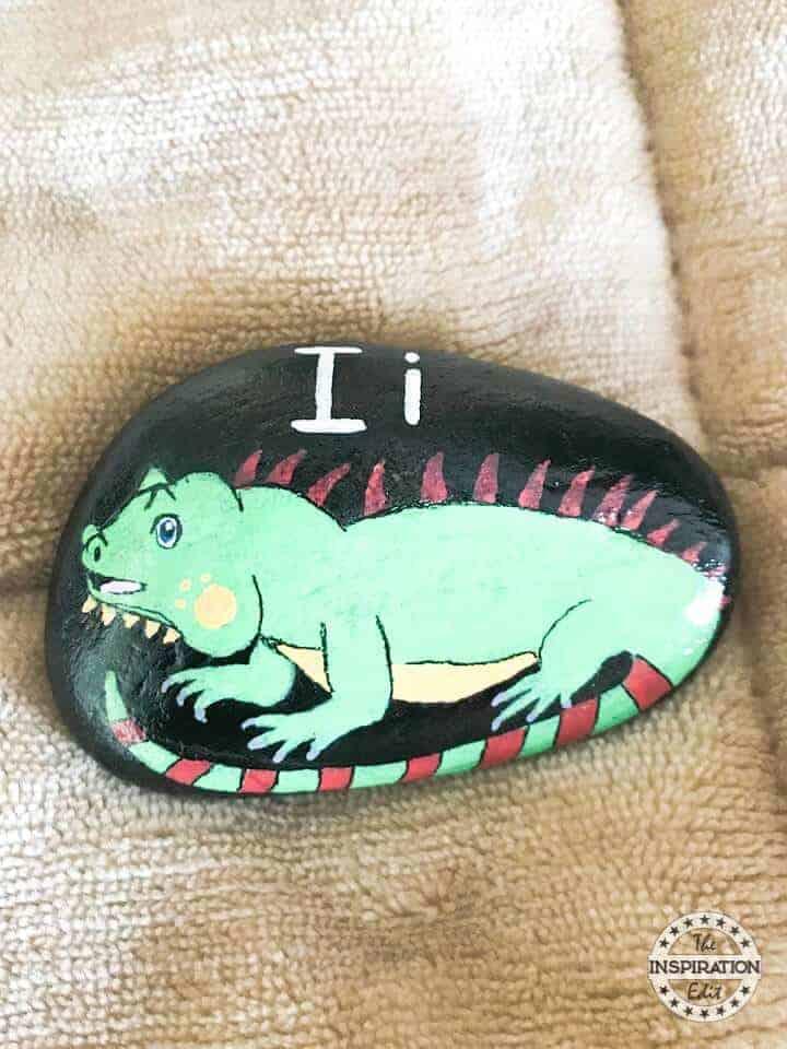iguana rock stone