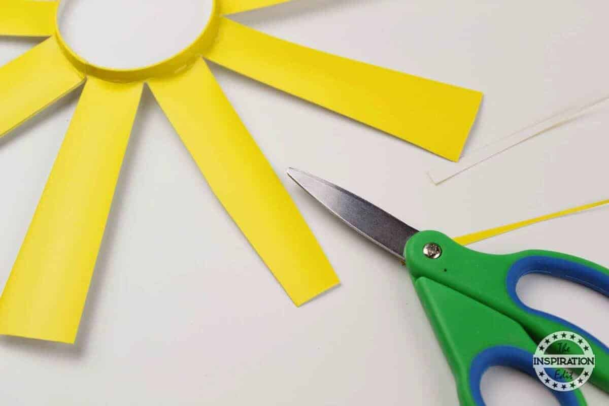 making easy paper flower craft