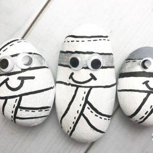 Halloween Craft Ideas halloween mummy stones