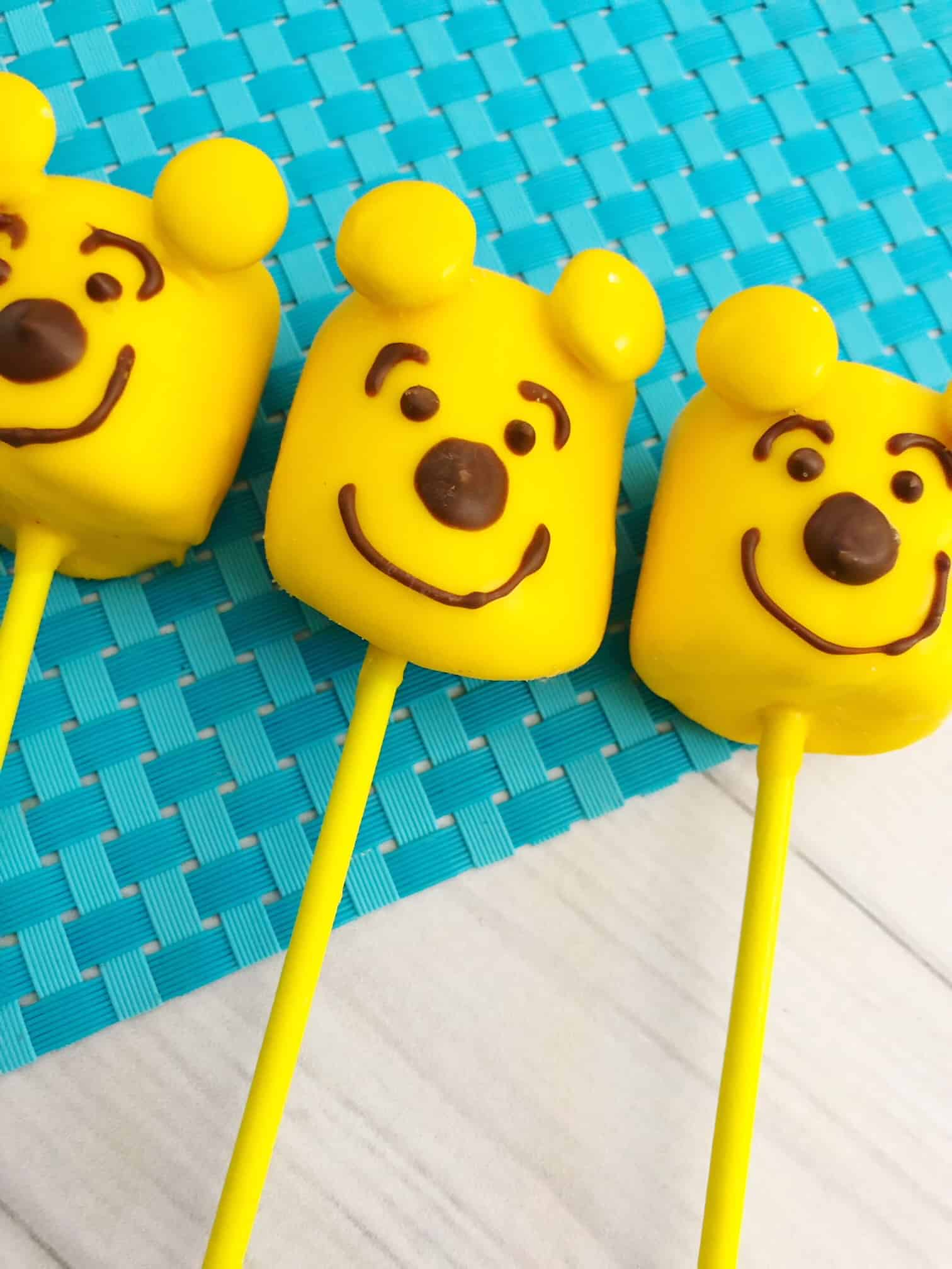 winnie the pooh cake pops party idea