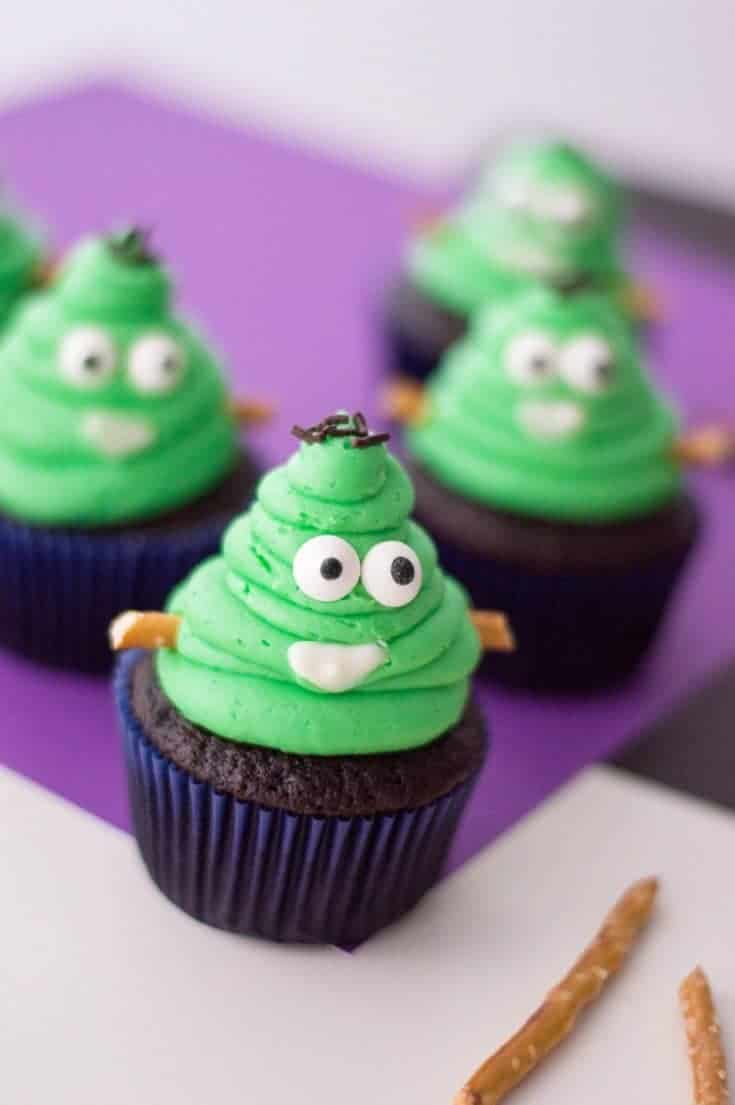 These Frankestein monster halloween cupcakes are the perfect Halloween party food idea and great fun to make with kids.#halloweencupcakes #cupcakes #halloween #halloweenpartyfood #halloweenfoodideas #halloweenfood #halloweenparty #halloweentreats #emoji #frankenstein