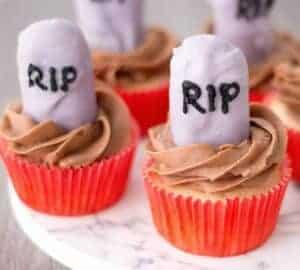 rip tomb stone cupcakes