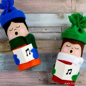 Christmas Carolers Toilet Roll Craft