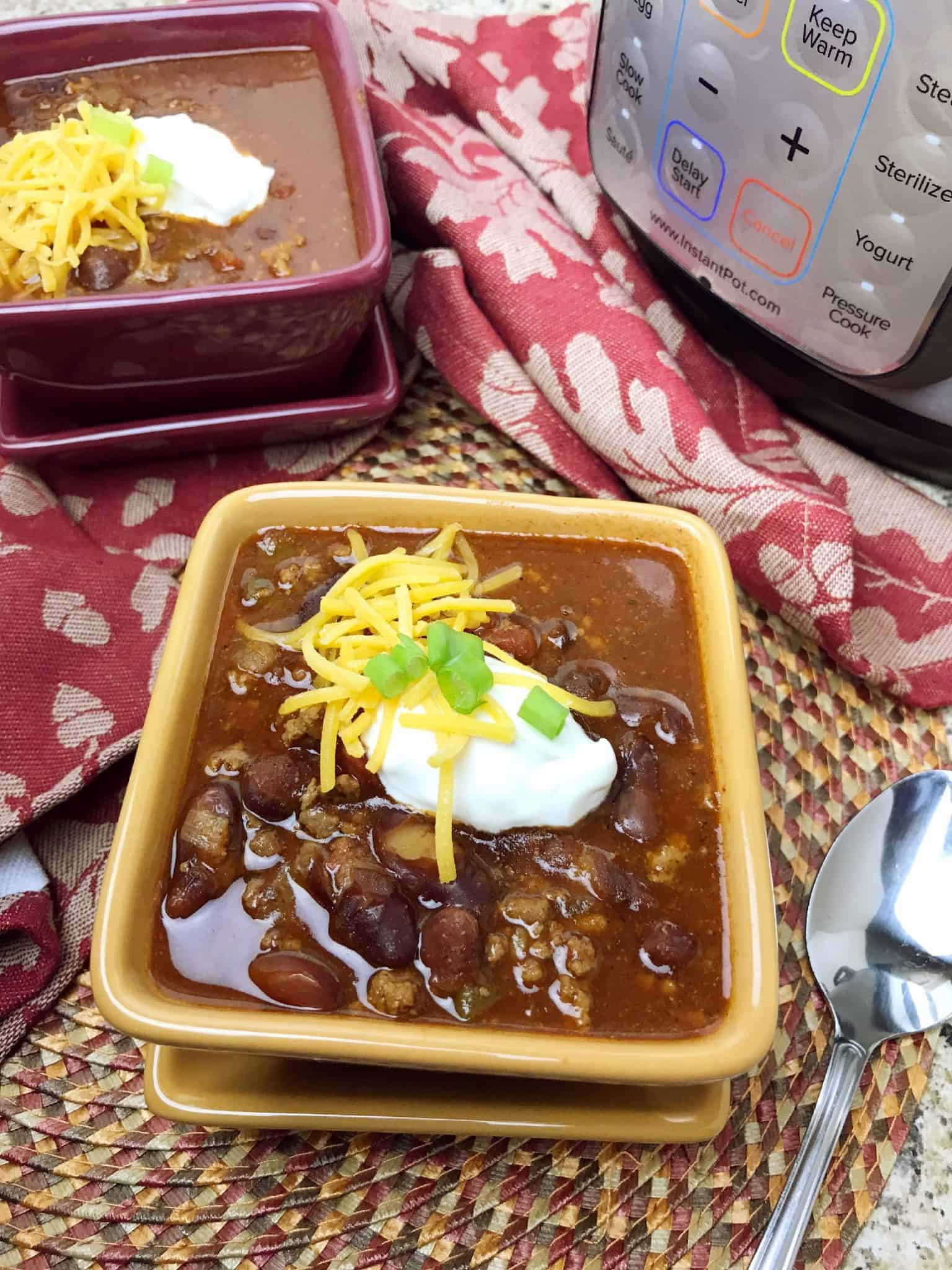 Don't miss out on this Instant Pot Chili recipe!