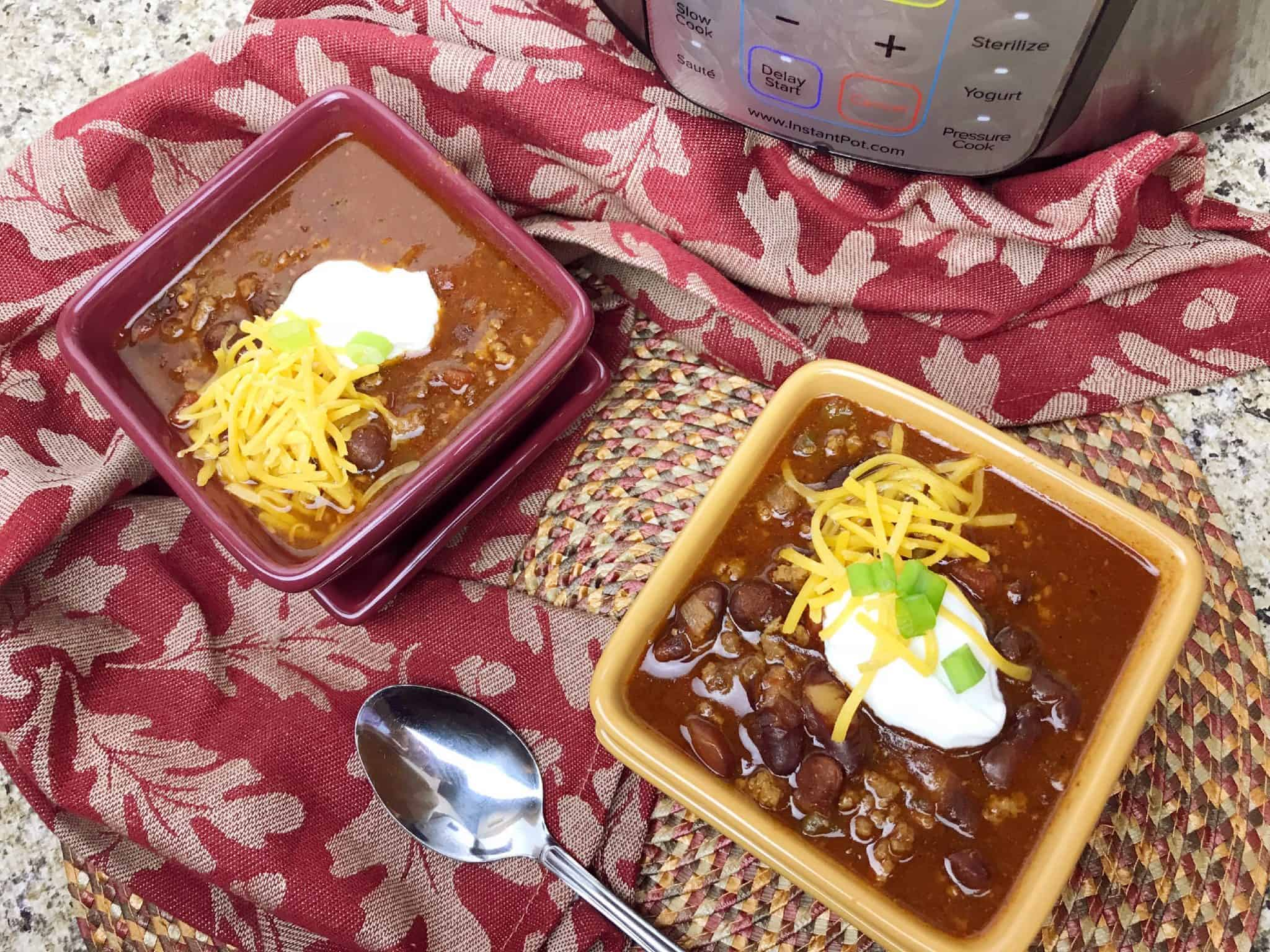 Try my mouth watering and healthy Instant Pot Chili recipe!