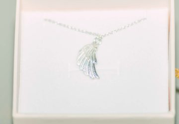 Jana Reinhardt Wing Pendant Necklace Review