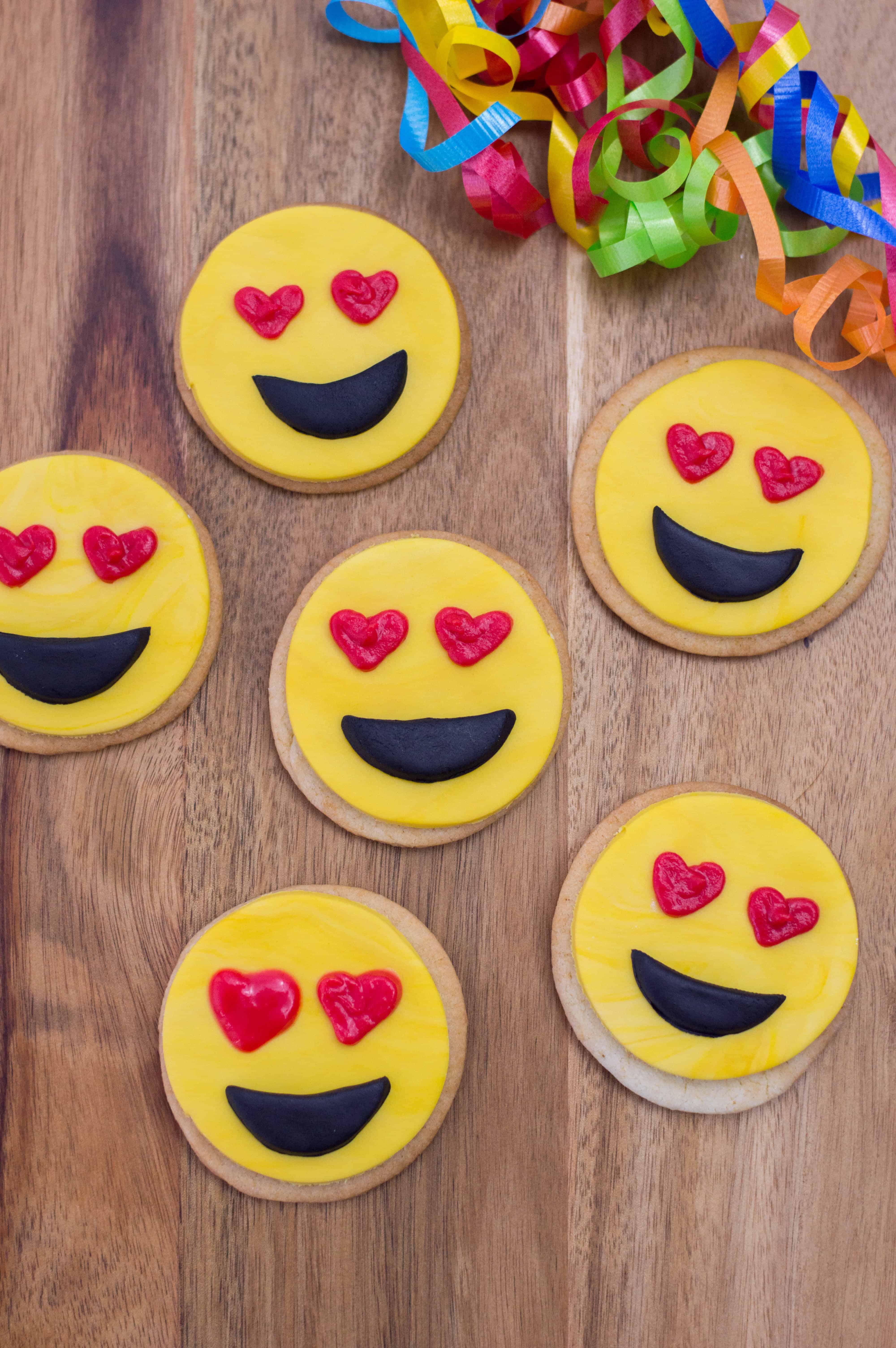 Emoji Valentine's Cookies