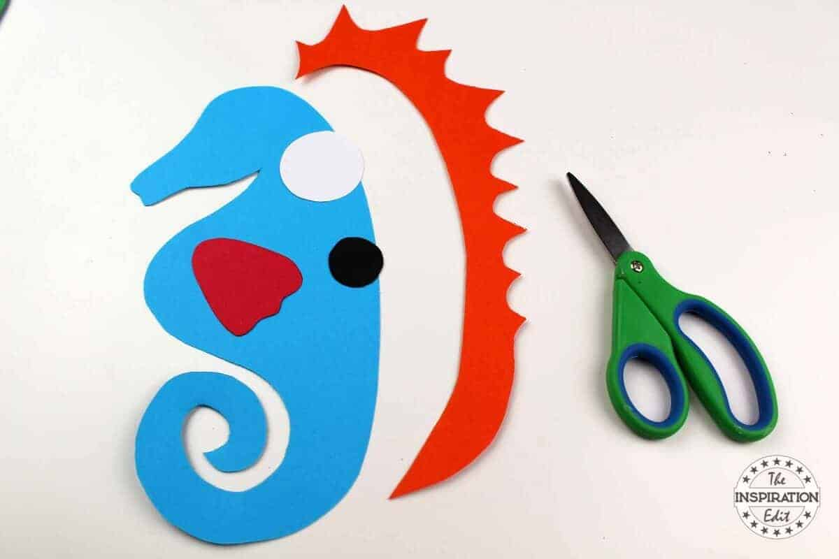 Ocean paper weave seahorse craft