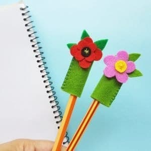 felt craft poppy pencil topper idea