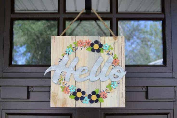 DIY Door Decor: Hello Pallet Wreath