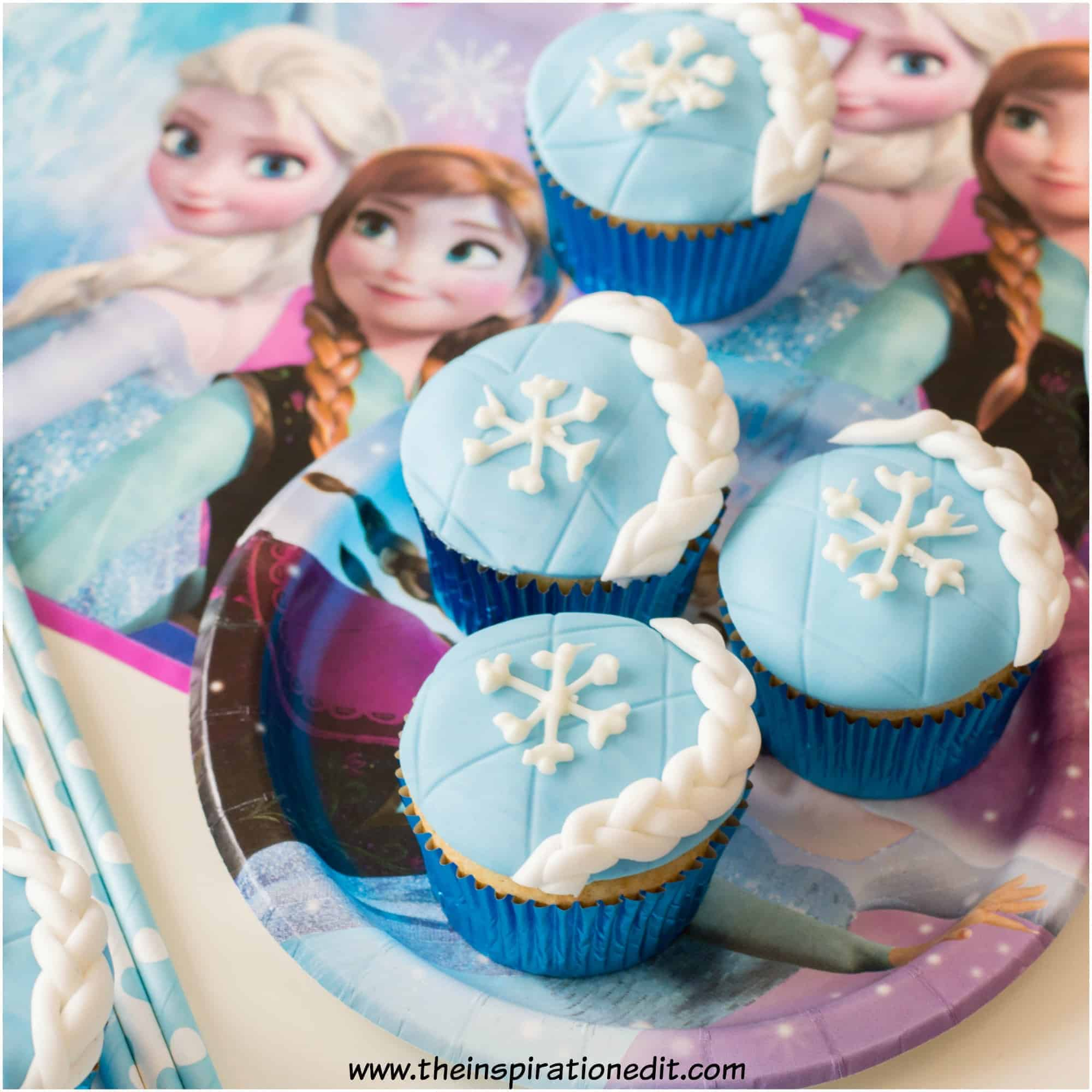 Disney Frozen Treats featured by top US Disney blogger, Marcie and the Mouse: image of frozen Elsa cupcakes