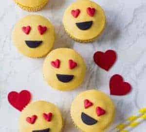 emoji love heart cupcakes