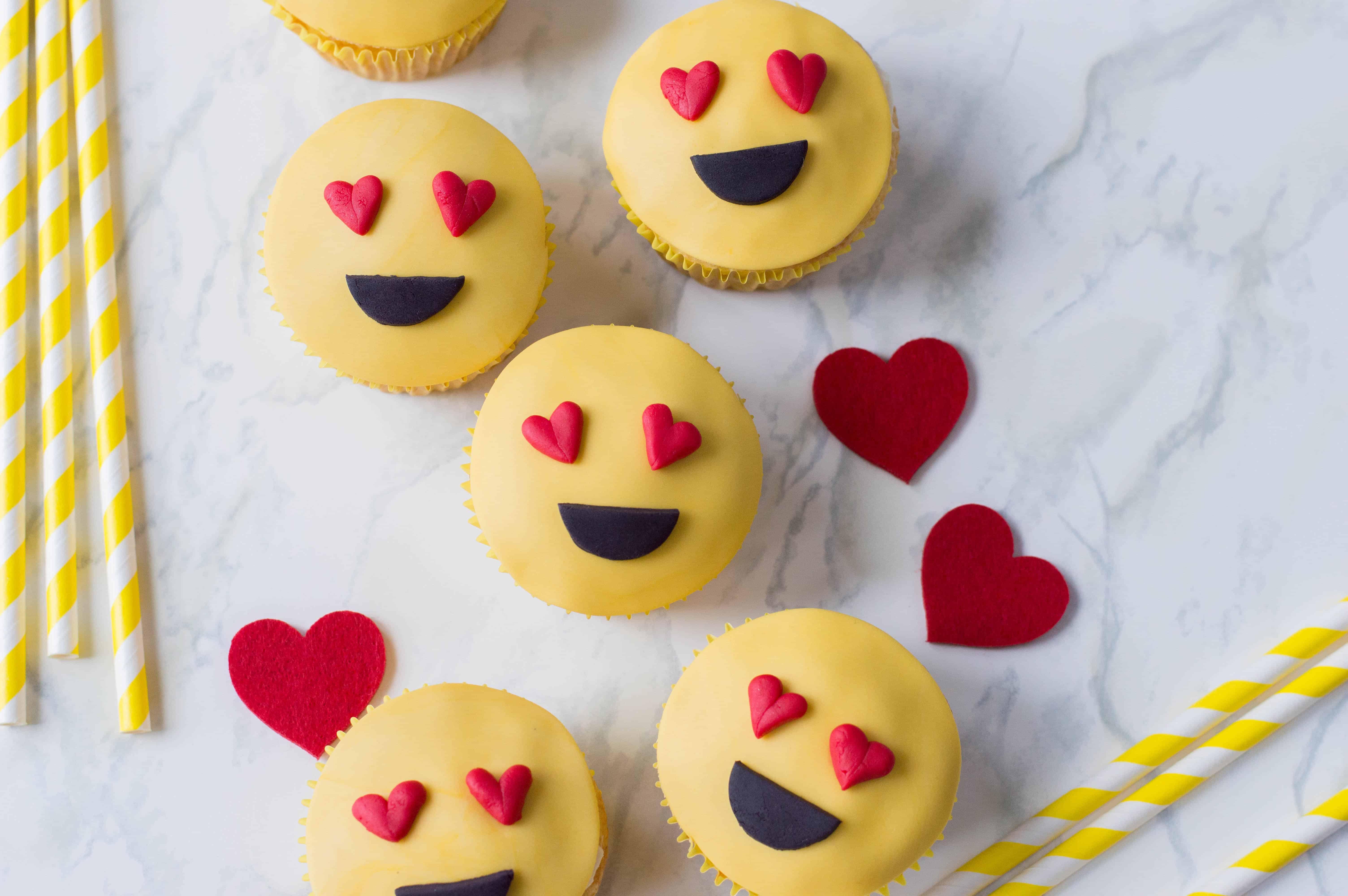 emoji love heart cupcakes