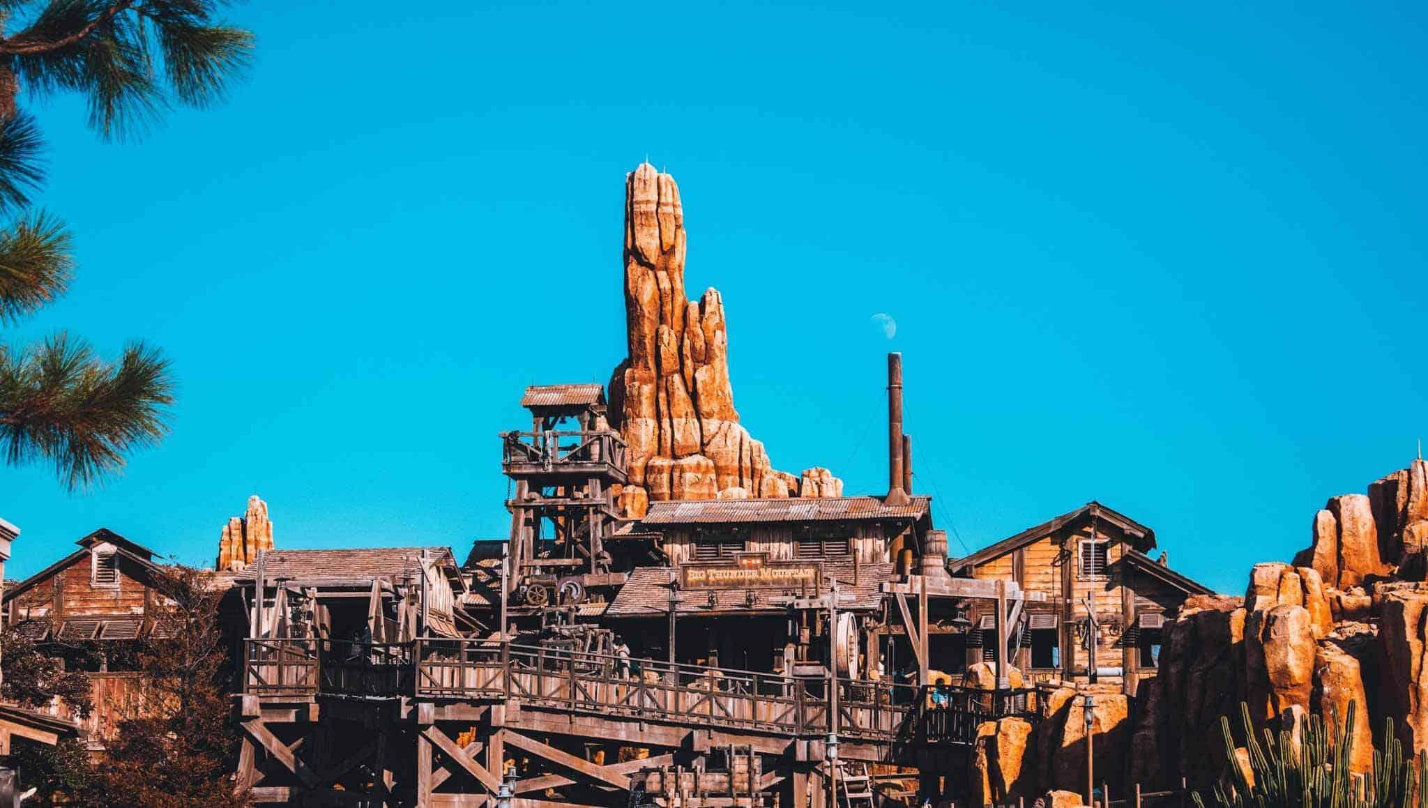 Tokyo-Disney-Thunder-Mountain
