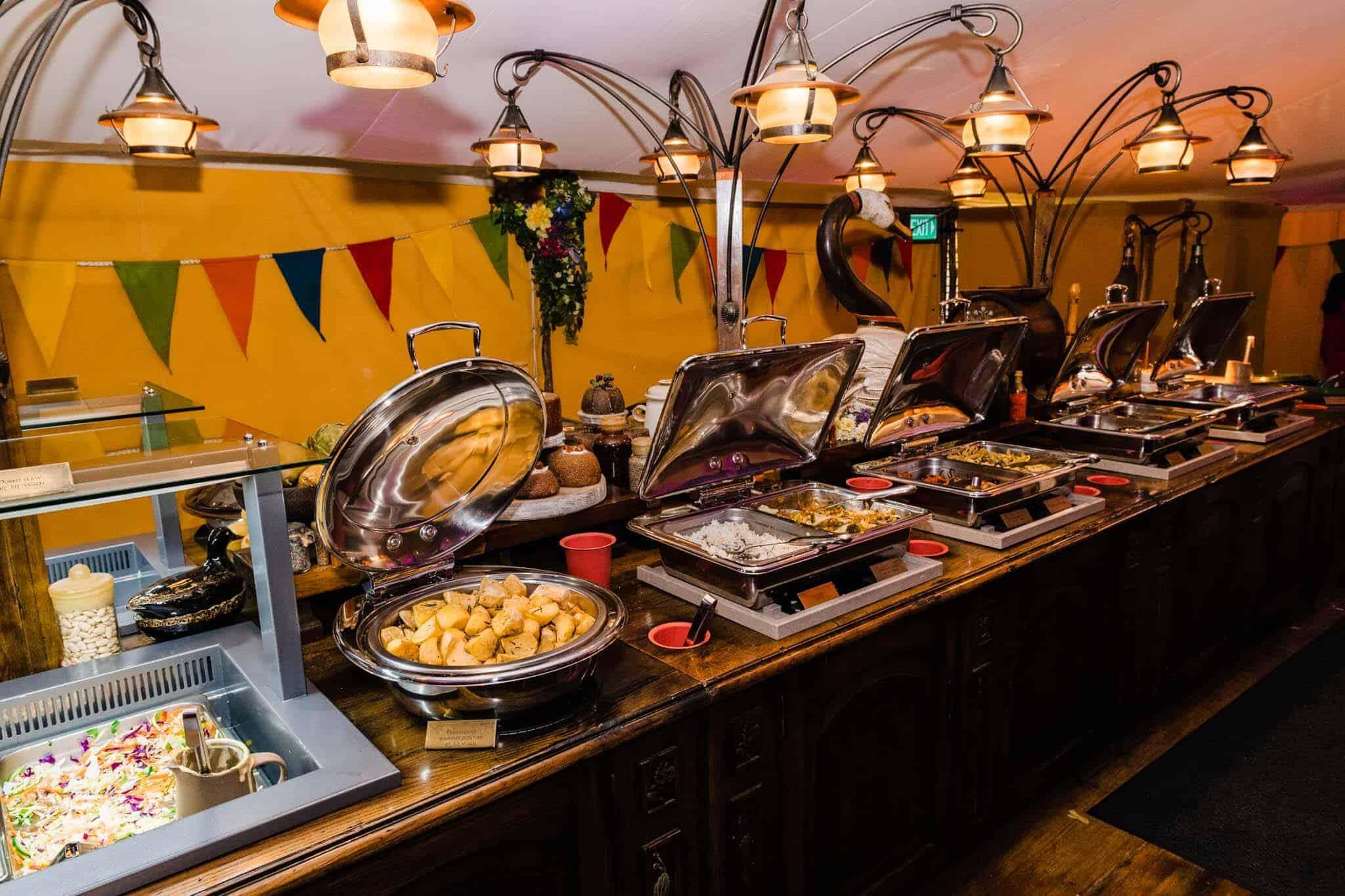 hobbiton banquet buffet lunch