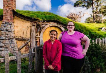 hobbit holes at hopbbiton nz