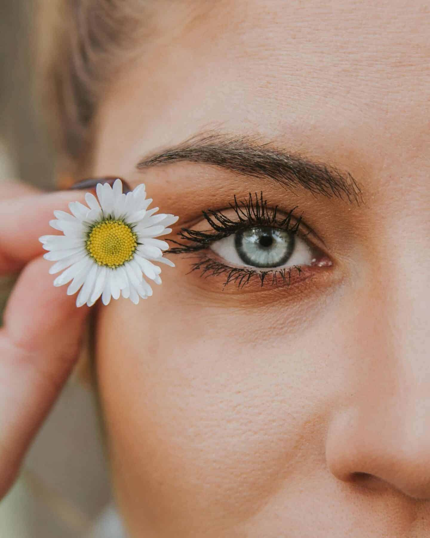 Flower girl and Beauty with age Regimen