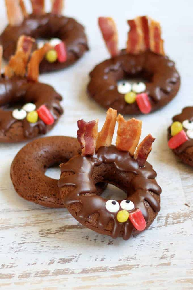 chocolate-donut-turkeys-thanksgiving-image