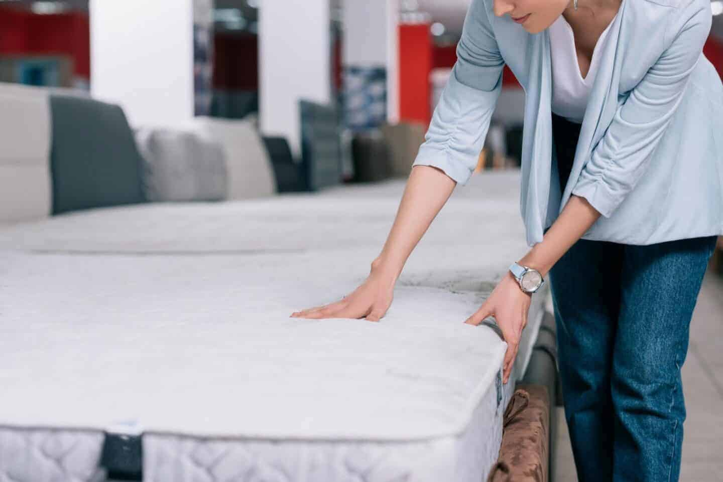 how much should a mattress cost