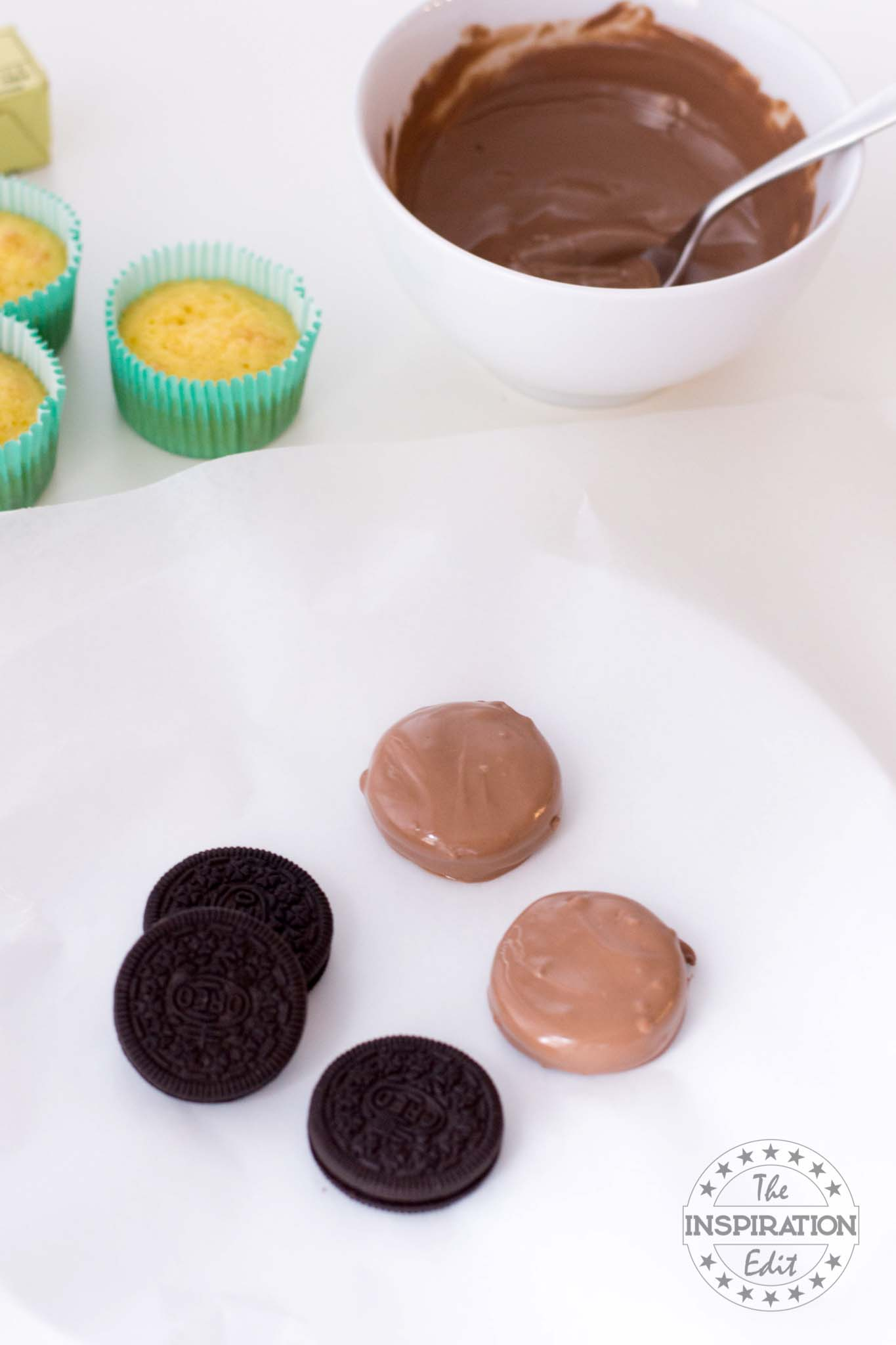 covering oreos in chocolate